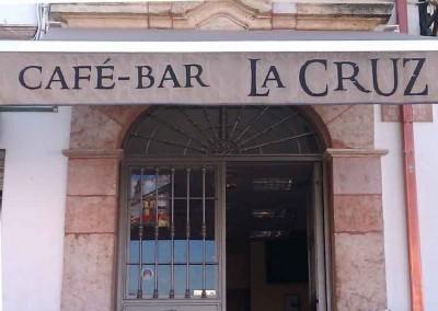 Entrada Bar La Cruz de la Barrera en Lucena