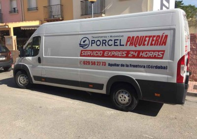 Furgoneta Paquetería Transportes y Mudanzas Porcel en Lucena